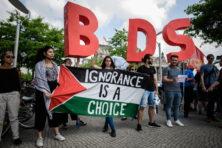 Pompeo en Trudeau hebben gelijk: BDS-beweging is antisemitisch
