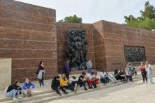 Nieuwe baas Yad Vashem is zowel moedig als omstreden