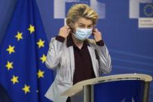 Inkooppuinhoop vaccins door EU leidt tot extra doden