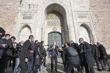 Ondanks beloftes stuurt Erdogan zijn tegenstanders de cel in