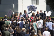 Verzet tegen woke-cultuur op Franse en Britse universiteiten