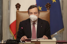 Italië bejubelt Draghi, die nieuwe rooftocht in Noord-Europa belooft
