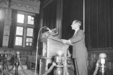A.N.J. den Hollander: de socioloog van de schijn