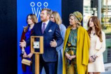 Politieke puinhoop straalt ook af op Willem-Alexander