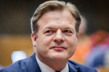 Blijkbaar mogen Kamerleden privacy zieke Pieter Omtzigt negeren