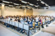 De plaag van 'woke' expats op universiteiten