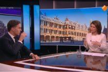 VVD-fractieleider Mark Rutte buigt, maar niet heel diep