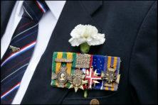 CDA'ers: Plant witte anjers en eer de veteranen