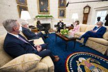 Alleen een vijand kan de Amerikaanse politiek laten samenwerken