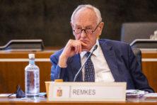 Remkes veegt Limburgse Staten de mantel uit voor wegsturen college