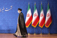 Gitzwart verleden nieuwe president Iran legt schaduw over atoomdeal