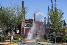 Waarom kerken in Canada branden na ontdekking massagraven