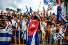 Biden moet Cuba niet te snel te hulp schieten