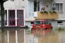 Dorpen in Limburg overstroomd, bewoners geëvacueerd: foto's & video's