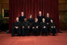 Eric Daalder legt helder uit hoe het rechtssysteem standhield (*****)