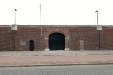 'Oranjehotel' en Waalsdorpervlakte: monumenten om bij stil te staan