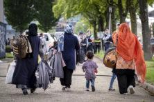 Nog ruim 2.100 Afghanen naar Nederland, maar azc's al overvol