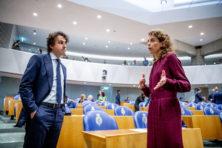 VVD debatteert in onderdanige rol tijdens Algemene Beschouwingen
