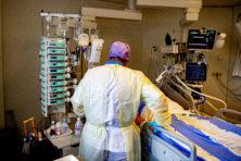 Nergens in Europa stijgt aantal coronabesmettingen zo hard, ziekenhuis Zwolle vol