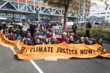 Demonstrerende klimaatwappies gepamperd