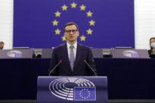 Poolse premier op de EU-grill in Straatsburg