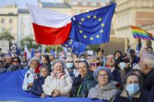 Dankzij 'vrek' Rutte is er nog stok om Polen mee te slaan